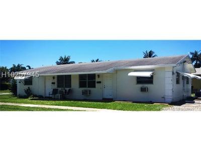 Dania Beach Multi Family Home For Sale: 137 NE 1st Ct