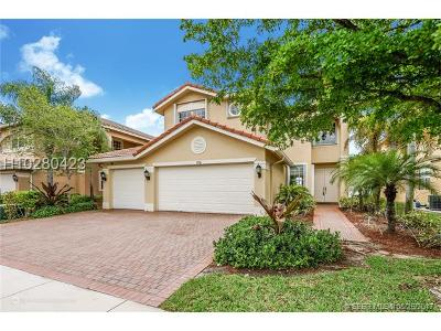 Miramar Single Family Home For Sale: 17516 SW 48th St