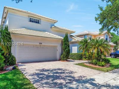 Pembroke Pines Single Family Home For Sale: 17084 NW 16th St