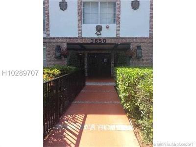 Lauderhill Condo/Townhouse For Sale: 3650 Inverrary Dr #2Z