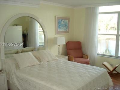 Lauderhill Condo/Townhouse For Sale: 3750 Inverrary Dr #2T