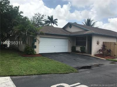 Davie Single Family Home For Sale: 8270 SW 41st St