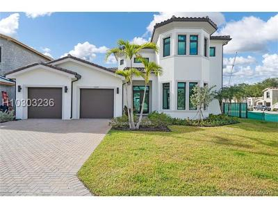 Hollywood Single Family Home For Sale: 5619 Brookfield Cir