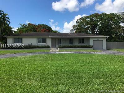Hollywood Single Family Home For Sale: 2734 Jackson St