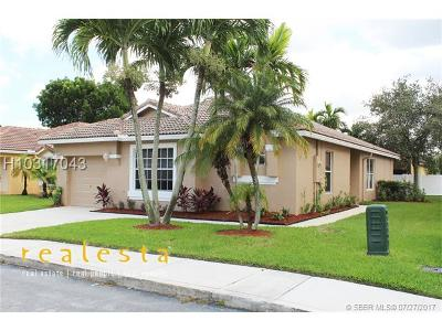 Pembroke Pines Single Family Home For Sale: 16374 NW 24th St