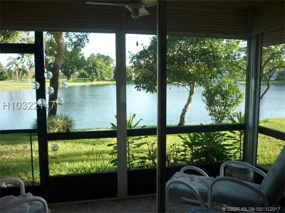 Pembroke Pines Condo/Townhouse For Sale: 9623 S Hollybrook Lake Dr #107