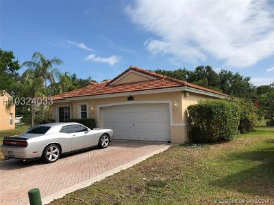 Pembroke Pines Single Family Home For Sale: 16103 SW 2nd Dr