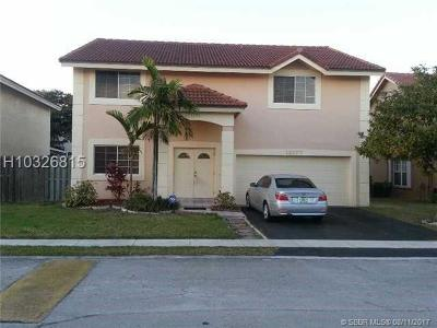 Sunrise Single Family Home For Sale: 12177 NW 35th Pl