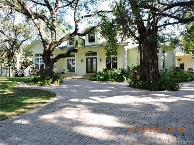 Fort Lauderdale Single Family Home For Sale: 5400 Woodland Ln