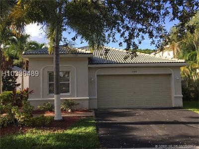 Weston Single Family Home For Sale: 1047 Tupelo Way