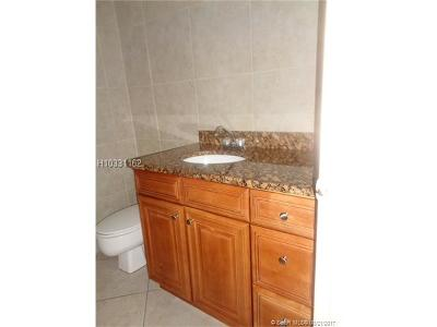 Lauderhill Condo/Townhouse For Sale: 6200 S Falls Circle Dr #405