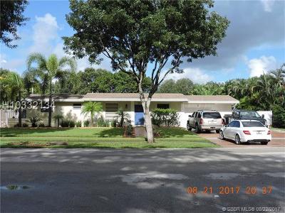 Plantation Single Family Home For Sale: 621 E Acre Dr