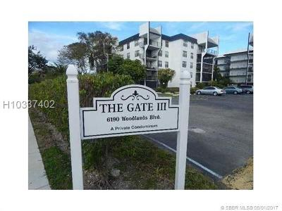 Tamarac Condo/Townhouse For Sale: 6190 Woodlands Blvd #315