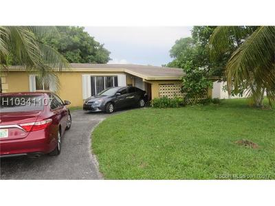 Miramar Single Family Home For Sale: 7200 Venetian St