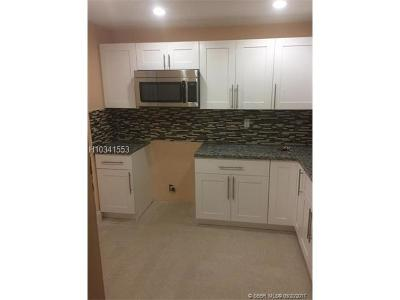 Plantation Condo/Townhouse For Sale: 5320 NW 11th St #106