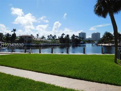 Hallandale Condo/Townhouse For Sale: 301 Golden Isles Dr #105