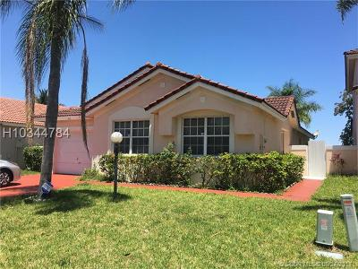 Miami Gardens Single Family Home For Sale: 5441 NW 184th St