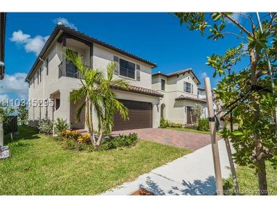 Hialeah Single Family Home For Sale: 9592 W 34th Ave