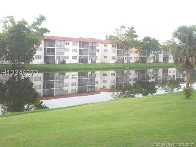 Pembroke Pines Condo/Townhouse For Sale: 311 S Hollybrook Dr #208