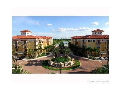 Weston Condo/Townhouse For Sale: 16102 Emerald Estates Dr #105