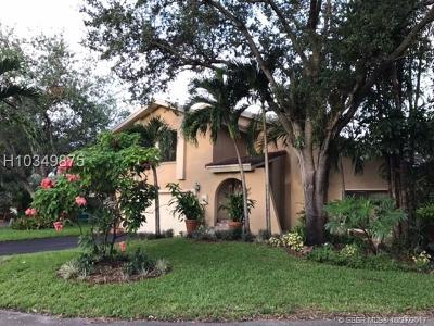 Cooper City Single Family Home For Sale: 42 Birch Dr