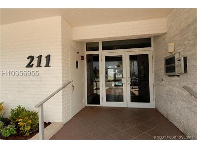 Hollywood Condo/Townhouse For Sale: 211 S Ocean Dr #703