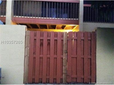 Pembroke Pines FL Condo/Townhouse For Sale: $268,500