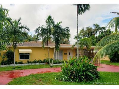 Hollywood Single Family Home For Sale: 6140 Flagler St