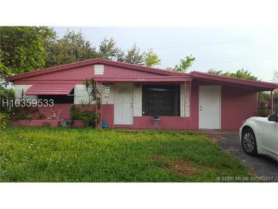 Hollywood Single Family Home For Sale: 5826 N Farragut Dr