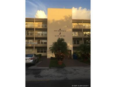 Pembroke Pines Condo/Townhouse For Sale: 101 SW 132nd Way #407J