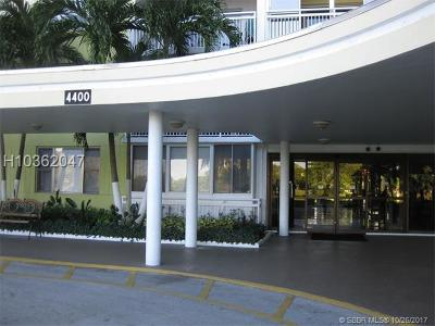 Hollywood Condo/Townhouse For Sale: 4400 Hillcrest Dr #815B