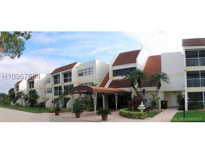 Weston Condo/Townhouse Backup Contract-Call LA: 100 Lakeview Drive #301