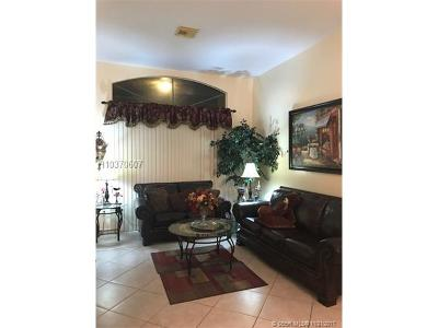 Pembroke Pines Single Family Home For Sale: 295 SW 180th Ave