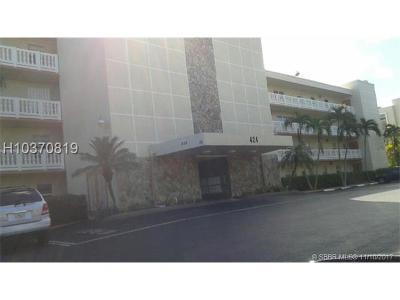 Dania Beach Condo/Townhouse For Sale: 424 SE 10th St #406