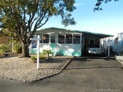 Dania Beach Single Family Home For Sale: 2935 W Marina Dr