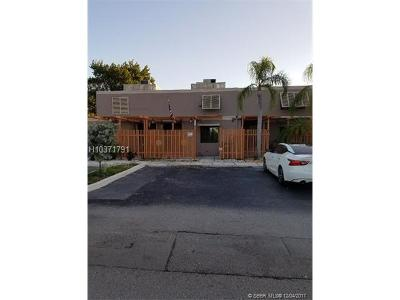Pembroke Pines Condo/Townhouse For Sale: 11248 NW 15th Ct