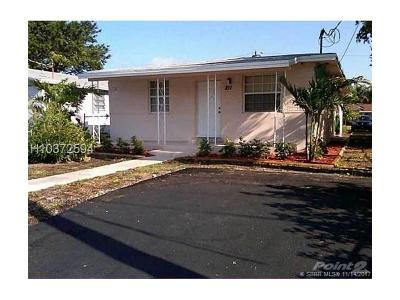 Dania Beach Multi Family Home For Sale: 212 SW 2nd Ter