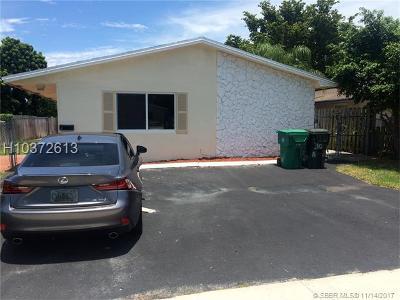 Dania Beach Multi Family Home For Sale: 30 NE 1st Ct