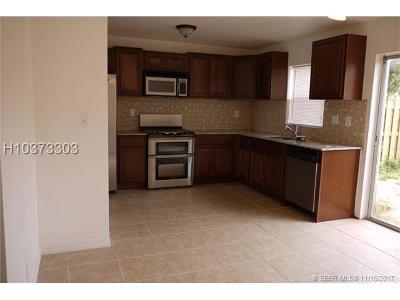 Lauderhill Condo/Townhouse Backup Contract-Call LA: 5719 Blueberry Ct #126