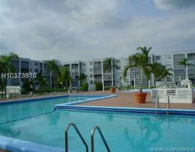 Dania Beach Condo/Townhouse For Sale: 608 NE 2nd St #437