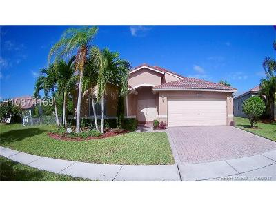 Pembroke Pines Single Family Home For Sale: 14345 NW 16th Ct