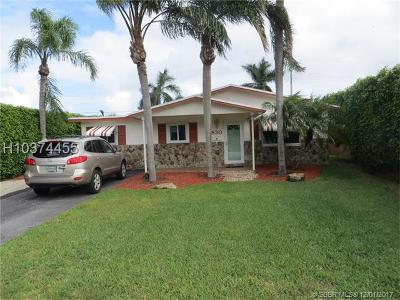 Dania Beach Single Family Home For Sale: 830 NW 12th Ave