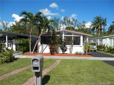 Dania Beach Single Family Home For Sale: 3043 SW 50th St