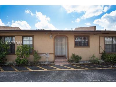 Miramar Condo/Townhouse For Sale: 7806 Pembroke Rd #7806