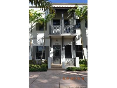 Doral FL Condo/Townhouse For Sale: $645,000