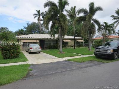 Dania Beach Single Family Home For Sale: 113 NE 2nd Pl