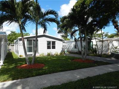 Dania Beach Single Family Home For Sale: 3015 SW 51st St