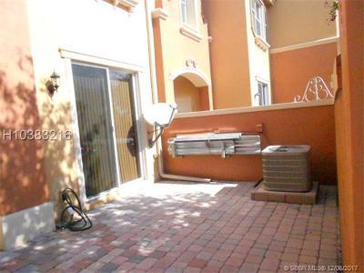 Dania Beach Condo/Townhouse For Sale: 2329 Mariner Ct #2808