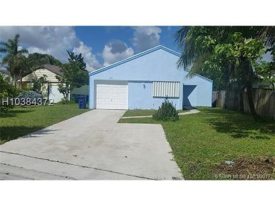 Single Family Home For Sale: 8831 SW 24th Pl