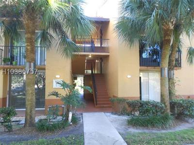 Plantation Condo/Townhouse For Sale: 10741 Cleary Blvd #204